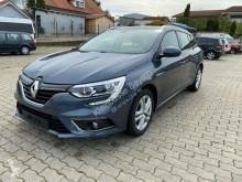 Voiture berline Renault Megane