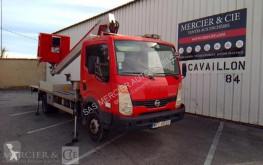 Pojazd dostawczy Nissan Cabstar używany