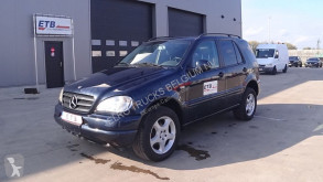 Voiture 4X4 / SUV Mercedes Classe M ML 320 (AUTOMATIC GEARBOX / AIRCONDITIONING)
