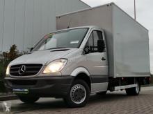 Geniş kasalı ticari araç Mercedes Sprinter
