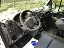 Renault bedecktes Pritschenfahrzeug MASTER