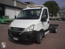 Dostawcze podwozie z kabiną Iveco Daily 35C11