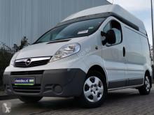 OpelVivaro 2.0 cdti 115 l1h2, airco 厢式货运车 二手