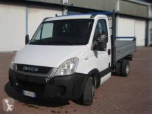 Nyttobil med flak tre vagnar Iveco Daily 35C11