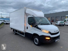 Utilitaire caisse grand volume Iveco Daily 35S15