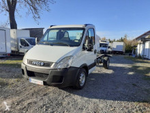 Utilitaire châssis cabine Iveco Daily 35S11
