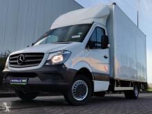Furgoneta Mercedes Sprinter 516 bakwagen + laadklep furgoneta caja gran volumen usada