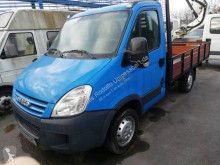 Utilitaire plateau ridelles Iveco Daily 35S14
