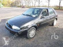 Voiture berline Ford Fiesta