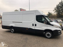 Fourgon utilitaire Iveco Daily 35S13 2.3 D