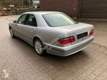 Voiture berline Mercedes E 220 CDI AVANTGARDE, 68000km original
