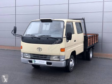 Utilitaire plateau ridelles Toyota Dyna 150