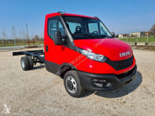 Utilitaire châssis cabine Iveco Daily 35C14