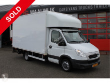 Utilitaire caisse grand volume Iveco 35c15 Luchtgeveerd Luchtvering + Airco+ Cruise d'Hollandia 1000 kg