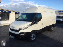 Fourgon utilitaire Iveco Daily 35S12V12