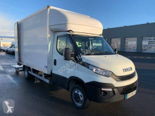 Utilitaire caisse grand volume Iveco Daily 35C14