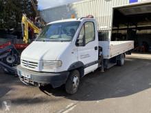 Veículo utilitário comercial estrado caixa aberta Renault Mascott