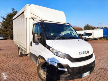 Iveco haszongépjármű ponyvával felszerelt platós Daily 35C15