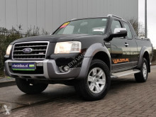 Voiture pick up Ford Ranger 2.5 tdci wildtrack 4x4