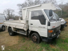 Utilitaire benne standard Toyota Dyna 150