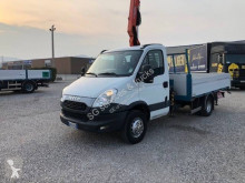 Utilitaire plateau ridelles Iveco Daily