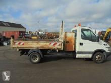 Camioneta trilaterala Iveco Daily 35C12