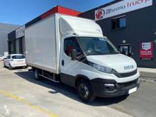 Veículo utilitário carrinha comercial caixa grande volume Iveco Daily 35C16