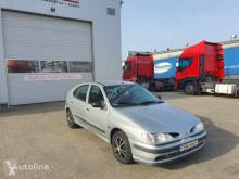 Veículo utilitário carro citadino Renault Megane 1.6