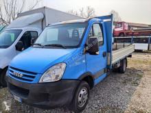 Veículo utilitário Iveco Daily 35C10 comercial estrado caixa aberta caixa aberta usado