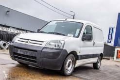 Veículo utilitário furgão comercial Citroën Berlingo