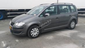 Automobile Volkswagen Touran 1.6i