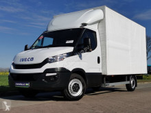 Utilitaire caisse grand volume Iveco Daily 35 S 14 ac tent