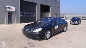 Voiture berline Peugeot 607 2.0 (AIRCONDITIONING)