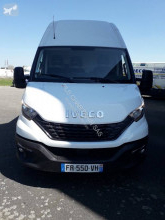 Fourgon utilitaire Iveco Daily 35S18V18