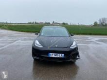 Voiture berline Tesla