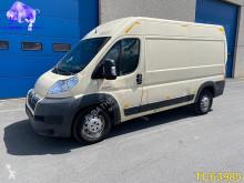 Veículo utilitário furgão comercial Peugeot Jumper 3.0 HDI L2H2 Euro 4