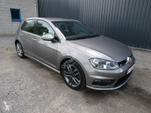 Voiture berline Volkswagen Golf 1.6TDI R LINE