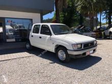 """Toyota HiLux 2.4 TD használt """"pick-up"""" típusú platós kisteherautó személyautó"""