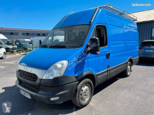 Fourgon utilitaire Iveco Daily 35S15 2.3