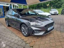 Otomobil sedan Ford Focus Focus ST-Line X