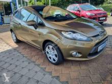 Furgoneta coche descapotable Ford Fiesta Champions Edition