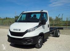 Veículo utilitário Iveco Daily NEW DAILY 35 EURO 6 NUOVO FULL OPTIONAL TELAIO carrinha comercial chassis cabina usado