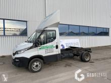 Veículo utilitário carrinha comercial chassis cabina Iveco Daily 50C17