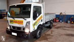 Furgoneta Nissan NT 400 furgoneta volquete volquete trilateral usada