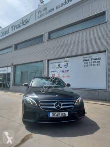 Voiture berline Mercedes Classe E 200