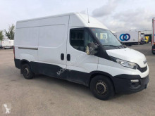 Fourgon utilitaire Iveco Daily 35S11