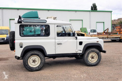 Land Rover Defender samochód 4x4 używany