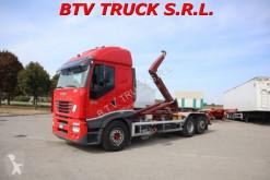 Pojazd dostawczy z hakiem do ładowania Iveco Stralis STRALIS 540 MOTR SCARRABILE CON GANCIO ADR