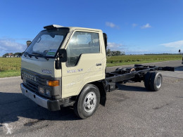 Utilitaire châssis cabine Toyota Dyna 250
