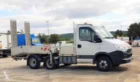 Veículo utilitário Utilitaire Iveco 35C17 + REM MAXICARGO